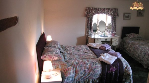 Worswell Barton B&B bedroom 3 downstairs - higher shippen.jpg